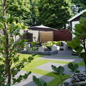 strakke-tuin|kunstgras|staptegels|plantenborder|beplantingsplan|tuinontwerp