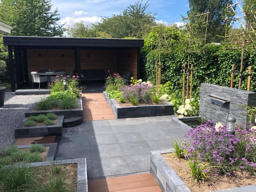 Tuin strak met veranda Etten-leur 1